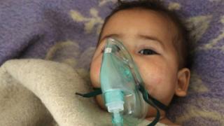 الأمم المتحدة تحقق في هجوم كيميائي محتمل في محافظة إدلب السورية راح ضحيته العشرات من ضمنهم أطفال