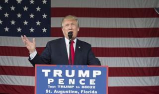 Donald Trump waxa uu la tartamayaan Hillary Clinton