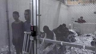 ဝေဖန်ခံနေရတဲ့ အမေရိကန်လူဝင်မှု ဥပဒေ