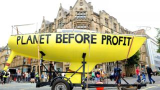 Big-yellow-boat-in-Manchester-as-part-of-Extinction-Rebellion.