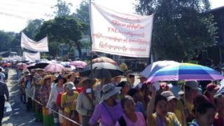 နန်းမိုဟွမ် လွတ်မြောက်ရေး နမ့်ခမ်းမြို့ခံတွေ ဆန္ဒပြ