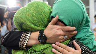 Приезд в Грозный женщин, которые жили на территории ИГ