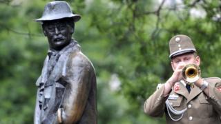 Imre Nagy statue, 2009 file pic