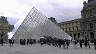 L'Egypte condamne l'attentat au musée du Louvre.