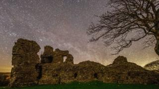 Starry sky above Pendragon Castle in Mallerstang