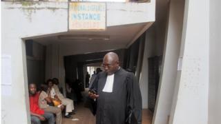 Un avocat camerounais à l'extérieur du tribunal de Yaoundé en 2013 (illustration).