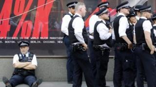 Extinction Rebellion: Met Police asks for 200 extra officers