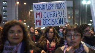 Protesta a favor del aborto en Santiago de Chile.
