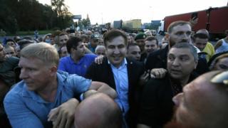 Міхеїл саакашвілі йде через український кордон