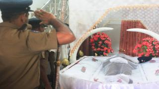 வவுணதீவில் உயிரிழந்த பொலிஸ் உத்தியோகத்தருக்கு அஞ்சலி செலுத்துதல்