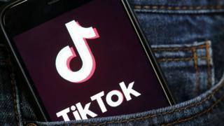 (캡션) 틱톡은 청소년들 사이에서 선풍적인 인기를 끌고 있다