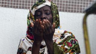 Une femme priant dans une mosquée au Nigéria (Photo d'archives)