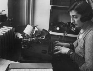 A typist, October 1932