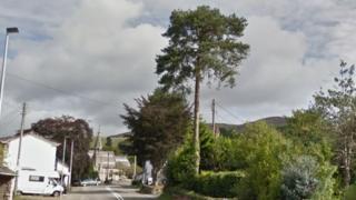 Llanbedr-Dyffryn