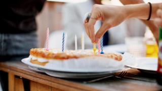 Некоторые пациенты дошли до того, что панически боятся есть определенные продукты, отказываясь даже от кусочка пирога, испеченного членом семьи ко дню рождения