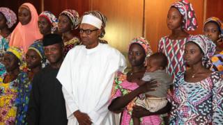 Shugaba Buhari ya sha alwashin ceto dukkan 'yan matan Chibok