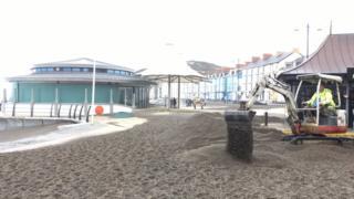 Clean up on aberystwyth beach
