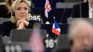 زعيمة أقص اليمين مارين لوبان خاضت الانتخابات الرئاسية الفرنسية وجاءت في المرتبة الثانية