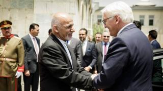 فرانک والتر اشتاینمایر، رئیس جمهوری آلمان (راست) در دیدار با رئیس جمهوری افغانستان در ارگ ریاست جمهوری - کابل