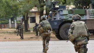 Des éléments du 1er Régiment de Chasseurs Parachutistes français en déploiement dans les rues de Bangui en 2013 (illustration).