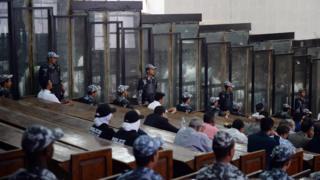 이집트 쿠데타 반대 시위대 등의 재판 현장