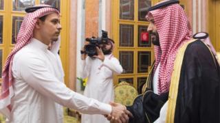 استقبل الملك السعودي سلمان بن عبد العزيز، وولي العهد، محمد بن سلمان، نجل وشقيق الصحفي جمال خاشقجي