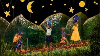 صورة لباتريك ويلوك تظهر أطفالا يلعبون على التلال تحت نجوم مريومة وكأنهم في كتاب أطفال