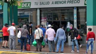 in_pictures Pharmacy queue, 15 Apr 20