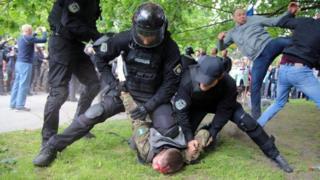 В результате столкновений были ранены 14 человек, говорят в полиции