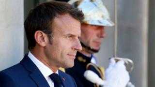 Le président Emmanuel Macron a demandé de baptiser les rues et les places des communes françaises du nom des combattants africains