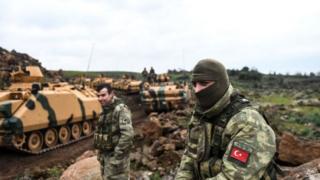 Турецькі солдати та бронетехніка на кордоні з Сирією, 21 січня