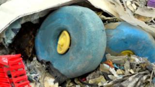 нелегальный мусор в Малайзии