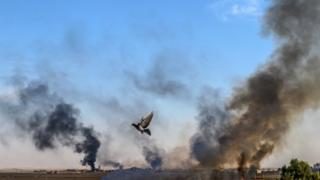 Tel Abyad'dan yükselen dumanlar