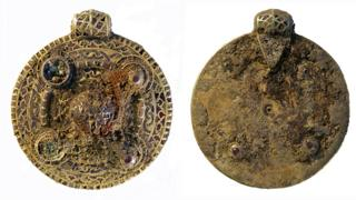 Anglo-Saxon pendant found in south Norfolk