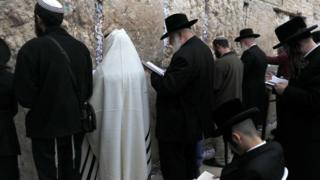 گروهی از یهودیان ارتودکس به رهبری وزیر کشاورزی دعای باران خواندند