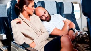 А для некоторых заснуть в самолете совсем нетрудно