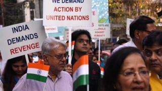 পুলওয়ামায় জঙ্গী হামলার প্রতিবাদে কলকাতায় বিক্ষোভ