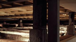 Maderas de un barco subterráneo