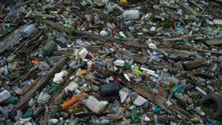 Ô nhiễm rác thải nhựa đang tàn phá các đại dương