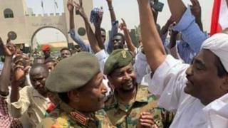 Igisirikare cakuye ku butegetsi Omar al-Bashir mu ndwi iheze inyuma y'imyaka hafi 30 ari ku butegetsi