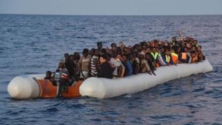 Quant au libyen Fayez Al Sarraj, il a sollicité des équipements modernes pour les gardes côtes qui font face aux passeurs de migrants en mer.