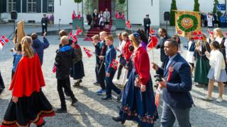 Children-in-Norway-celebrate-National-Day.