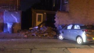 The car hit a wall in Kimberley Street
