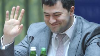 Роман Насіров став відомим широкому загалу лише у 2015 році, й з того часу періодично потрапляв у заголовки новин