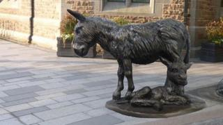 Proposed donkey statue