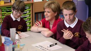 Nicola Sturgeon with school pupils