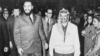 Fidel Castro y Yasser Arafat