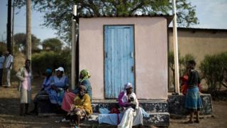 Ботсванада чөлкөмдөгү өлкөлөргө салыштырмалуу коррупциянын аздыгы белгиленет.