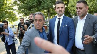 آندره استراماچونی، سرمربی ایتالیایی استقلال، از نداشتن مربی در کنار خود در مسابقه اول شدیدا انتقاد کرده است