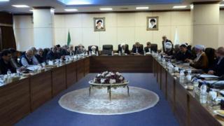 مجمع تشخیص مصلحت نظام وظیفه حل اختلافات مجلس و شورای نگهبان را بر عهده دارد